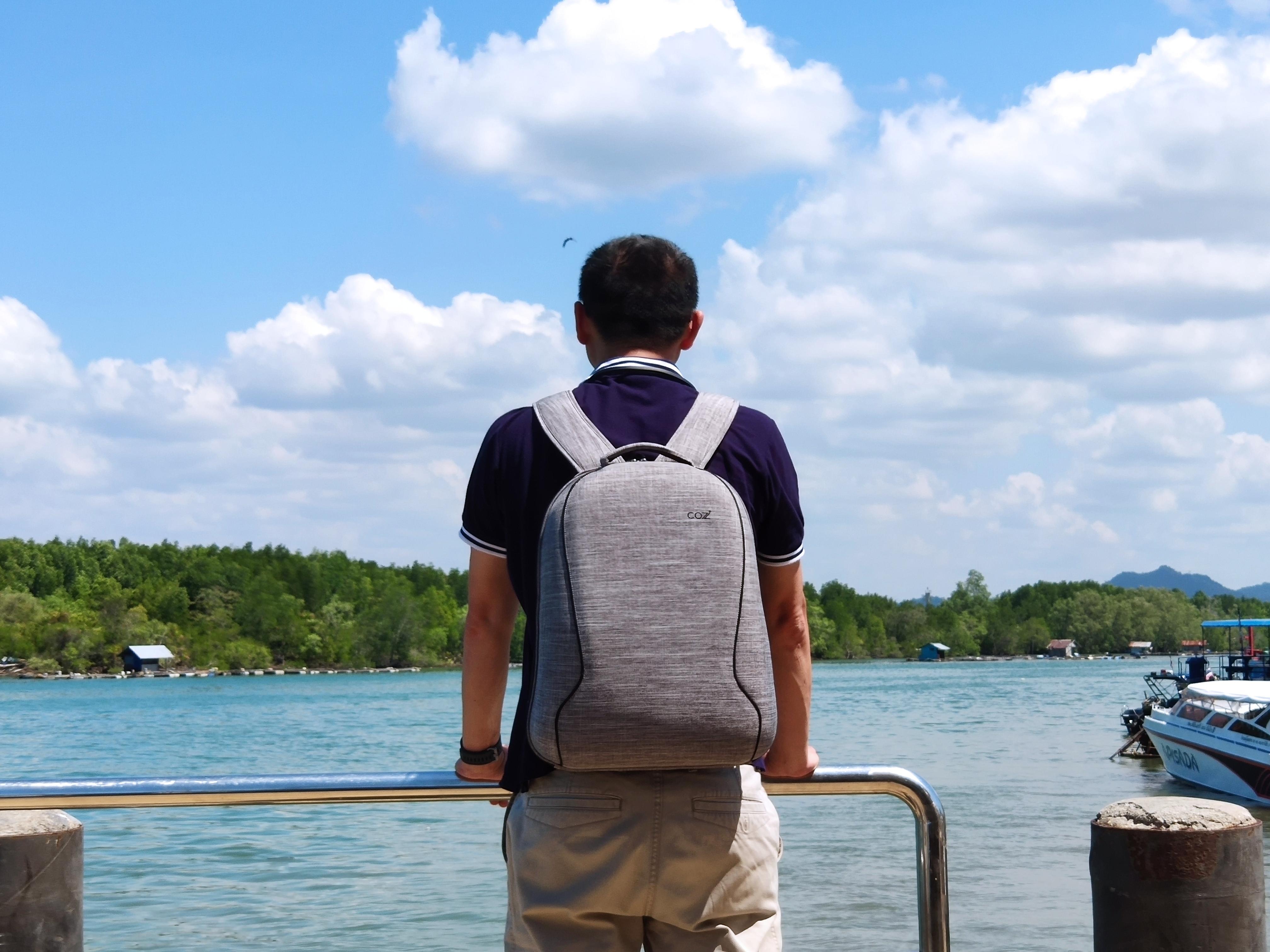 รีวิวกระเป๋าเป้ Cozistyle รุ่น City Backpack สีเทา เห็นเล็กๆ แต่จุไม่ใช่เล่น 1